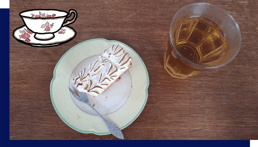 Wie verras jij met een taartje en de gesprekskaartjes?